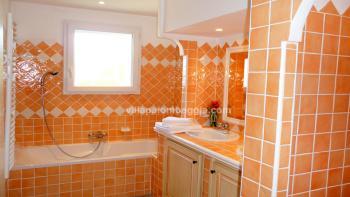 une Salle de bain de la villa